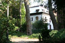 Our_house_garden_4
