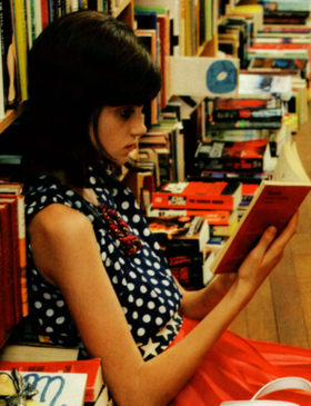 Girl_in_library_kate_spade_1
