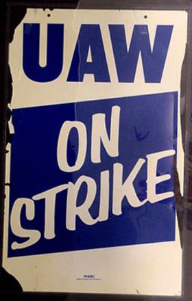 Uaw_on_strike_5